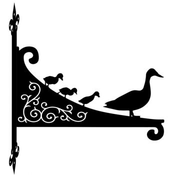 Duck And Ducklings Decorative Scroll Hanging Bracket