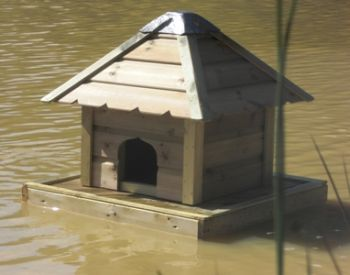 Floating Duck Nesting Box