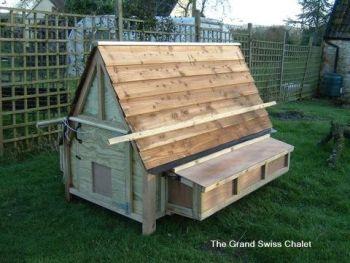 Grand Swiss Chalet - 30 hens