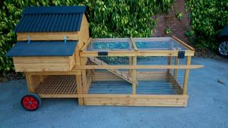 Grosvenor Junior Raised Poultry House with Run