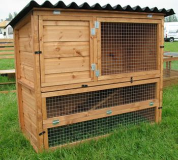 Rabbit Penthouse - Pet hutch for guinea pigs or rabbits