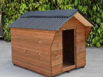 Dog Kennel - Traditional