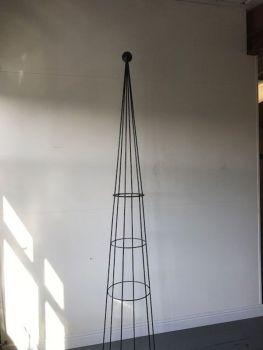 Hampton 8ft Obelisk (Split)