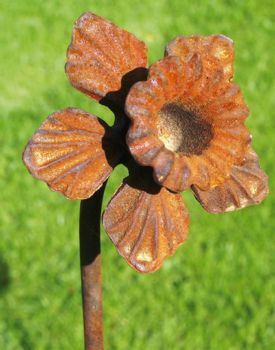 Pack of 3 Daffodil Feature Plant Pinn 4Ft (Bare Metal/Natural Rust)