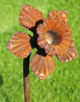 Pack of 3 Daffodil Feature Plant Pinn 5Ft (Bare Metal/Natural Rust)