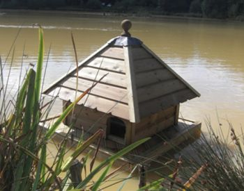 Small Square Floating Duck House, Waterfowl Nesting Box for Pond or Lake