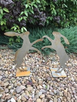 Fenland Hare's with Base x 2 (Rust)