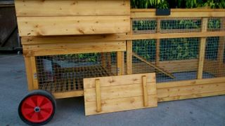 Grosvenor Major Raised Poultry House with Run - Chicken coop for up to 20 hens